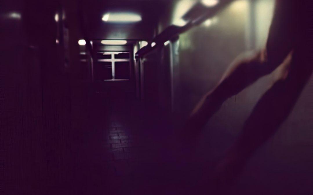 {en vedette} Klaudia Cechini ~ Angel Walks Away